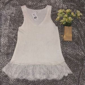 Cloud Chaser beautiful knit/lace v-neck blouse